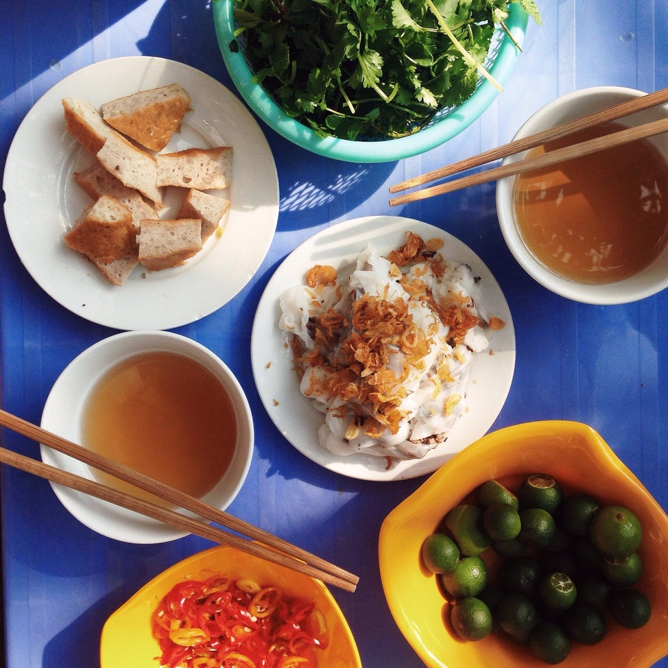 4-FAMOUS-PLACES-TO-EAT-BANH-CUON-IN-HA-NOI2