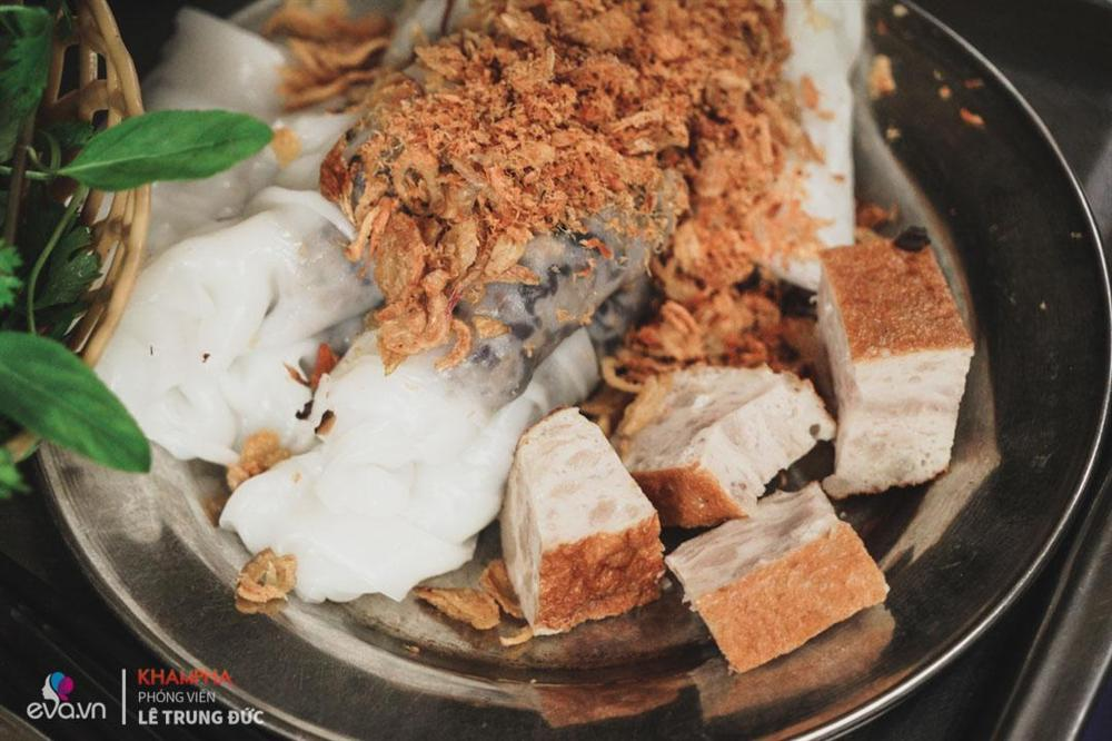 4-FAMOUS-PLACES-TO-EAT-BANH-CUON-IN-HA-NOI9