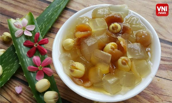 LOTUS-SEED-SWEET-SOUP-WITH-ALOVE-VERA0