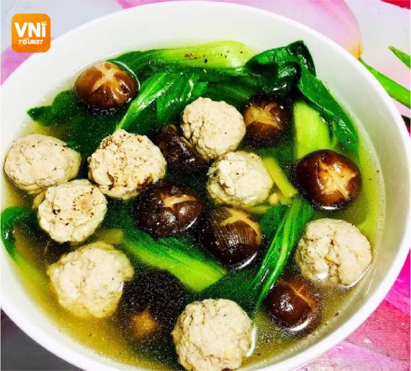 MEATBALL-SOUP-WITH-BOK-CHOY-084