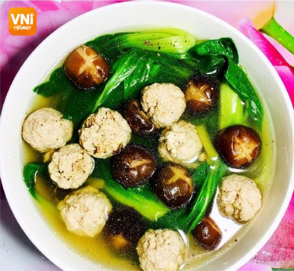 MEATBALL-SOUP-WITH-BOK-CHOY-083