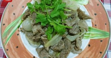 stir-fried beef with onion