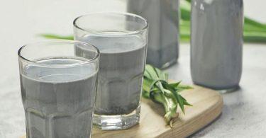 Vietnamese black beans milk