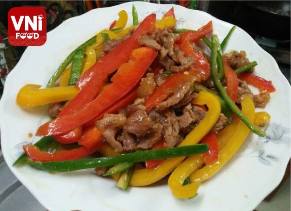 STIR-FIRED-BEEF-SHANK-WITH-BELL-PEPPERS-041